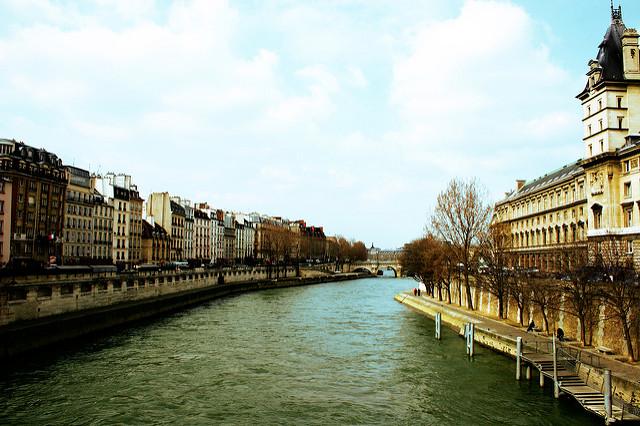 O Rio Sena em Paris